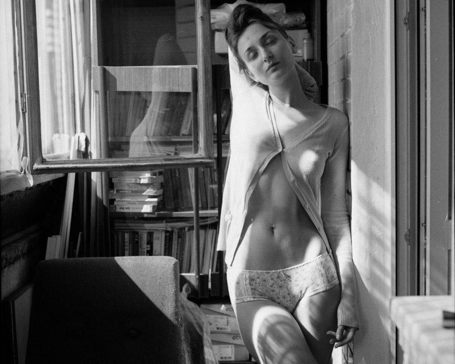 Black and white portrait photography by Yura Kurnosov