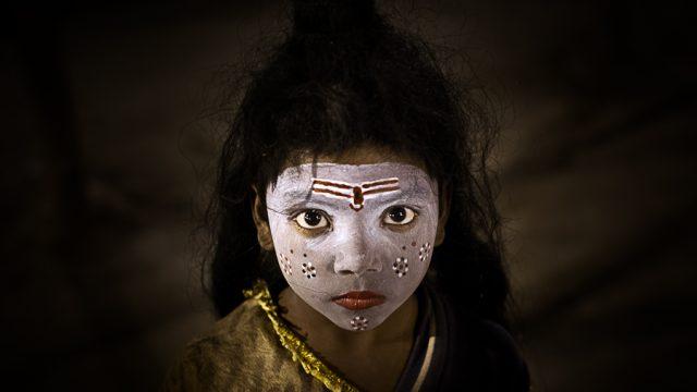 https://www.dodho.com/wp-content/uploads/2013/06/14-Little-girl-on-the-Banks-640x360.jpg