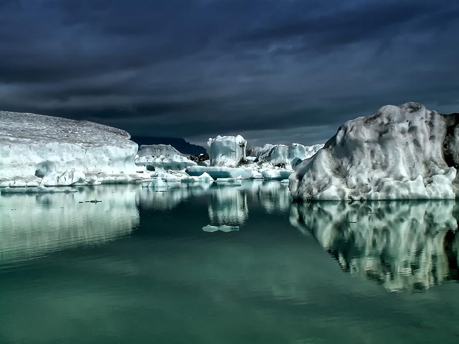 Icebergs II 900