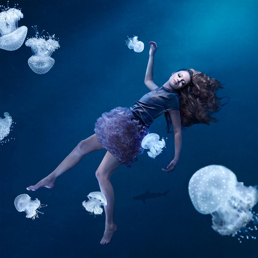 jellyfishgirl_72ppi_srgb_900px