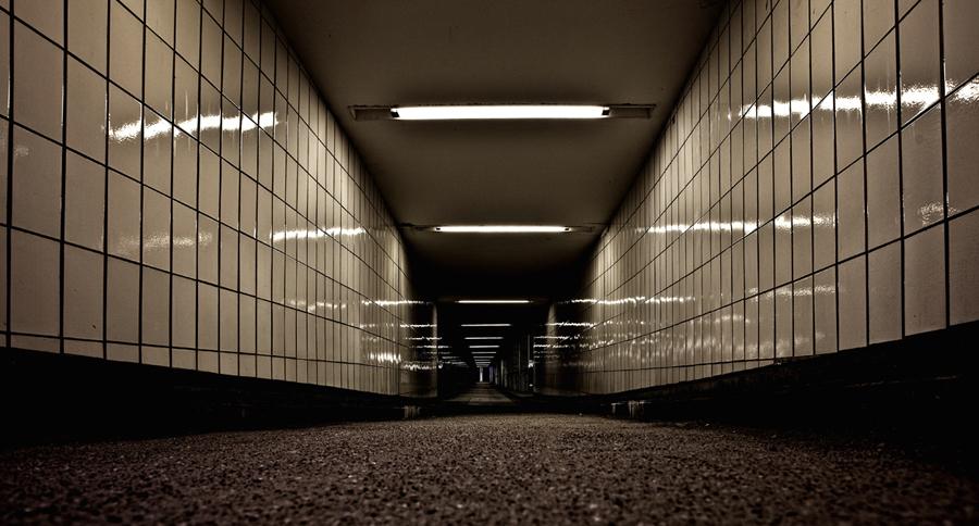 0 dB by Sergen Sehitoglu