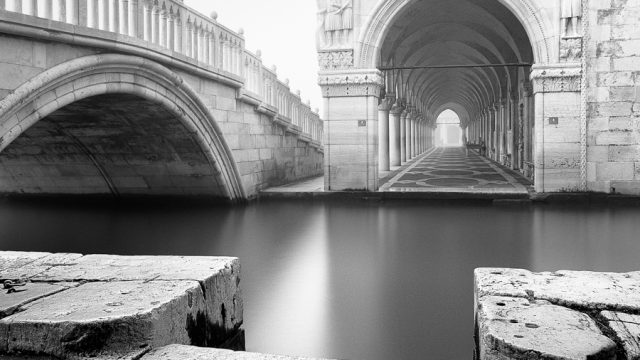 https://www.dodho.com/wp-content/uploads/2013/11/Gates-of-Venice_IT_VEN_031_D-640x360.jpg