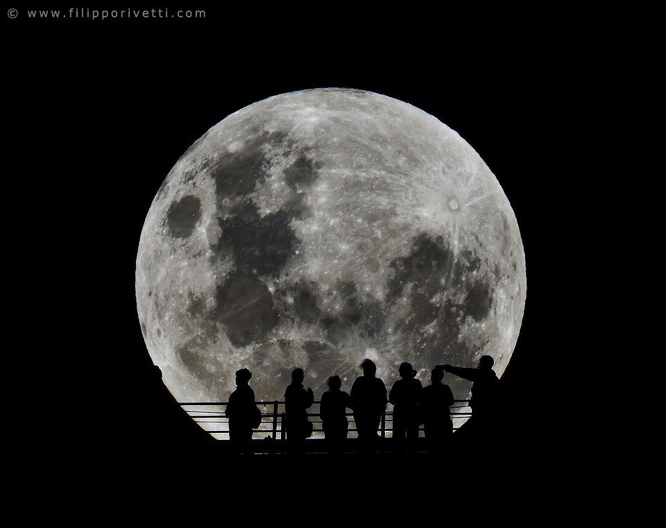 Man on the Moon, Australia