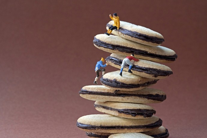cookie climbers 900px by Christopher Boffoli