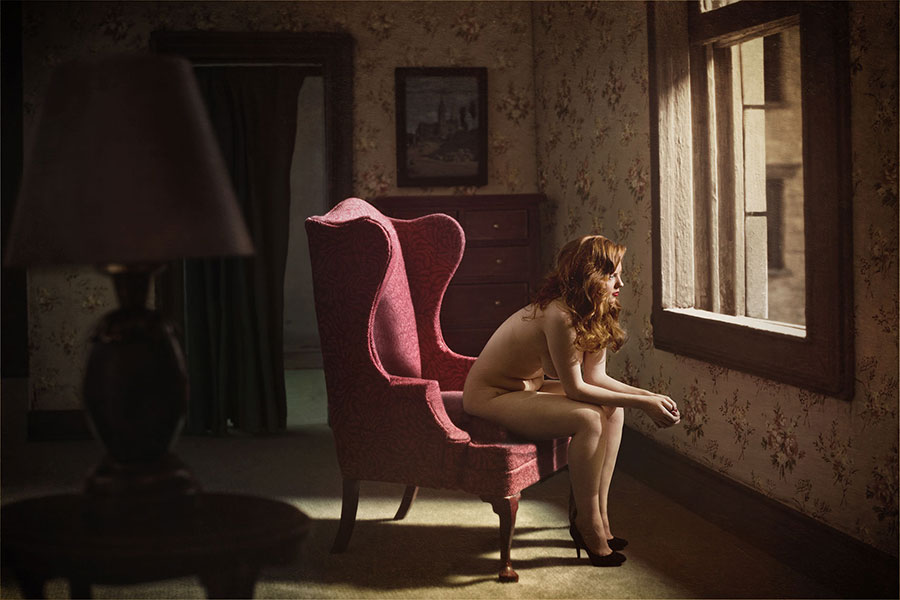 woman_at_window