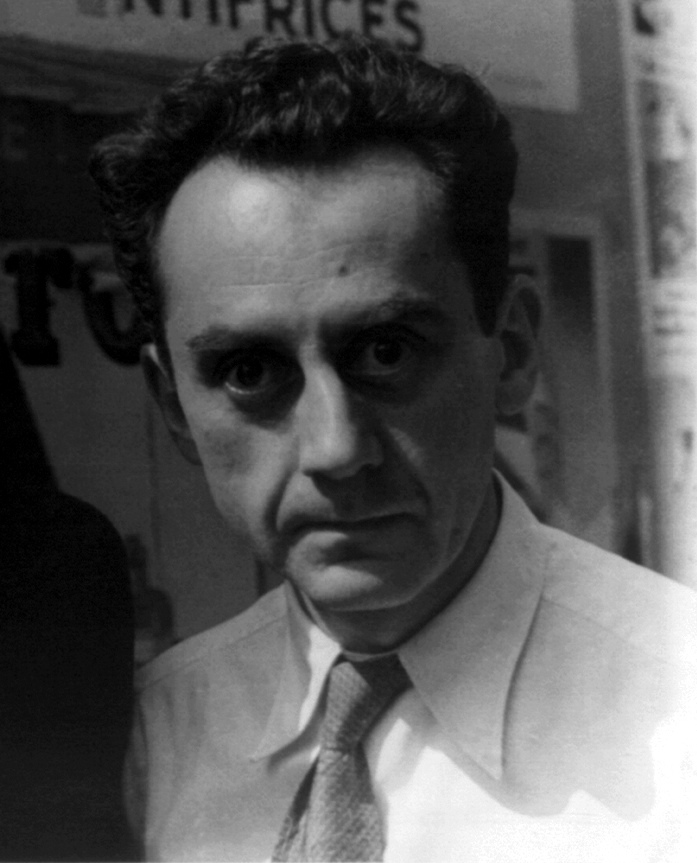 Man Ray : Surrealist Photographer