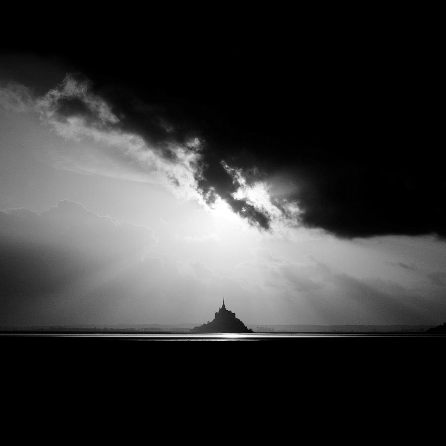 Black_Sun-Nicolas_Evariste