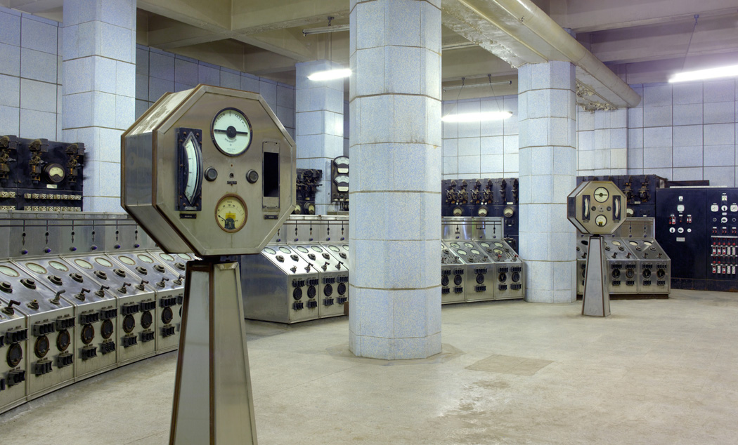 Battersea_power_station_AUX_switch_control_room_on_B_side_CopyrightPeterDazeley_credit photographer Peter Dazeley