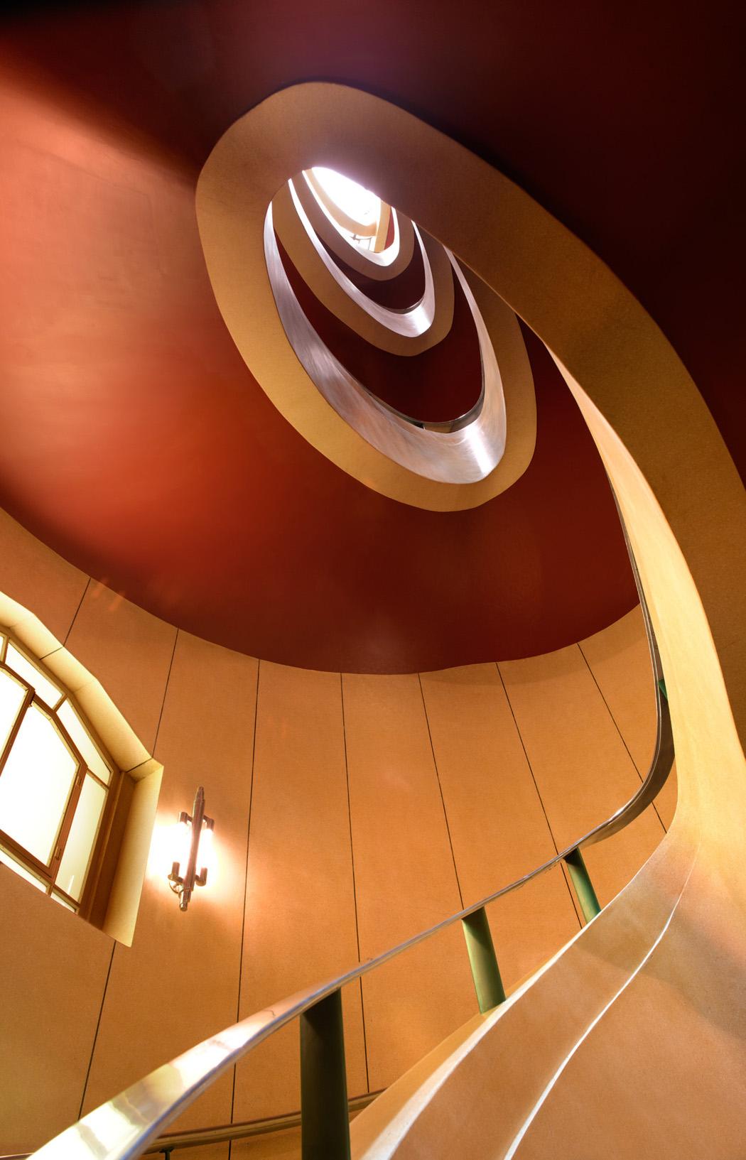 Daily_Express_Building_FleetStreet_ArtDeco_Staircase_CopyrightPeterDazeley_credit photographer Peter Dazeley
