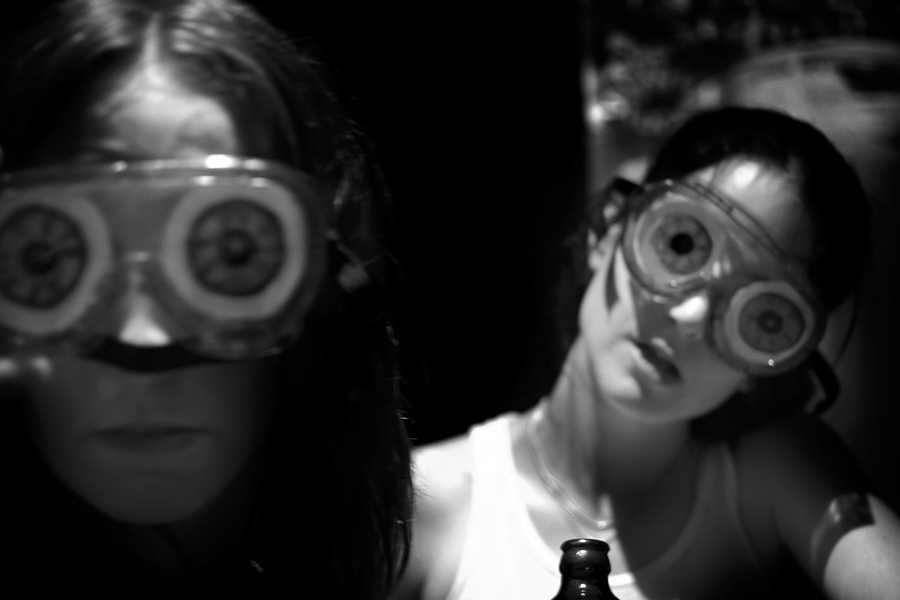 Poli and Jes (with beer goggles) MR