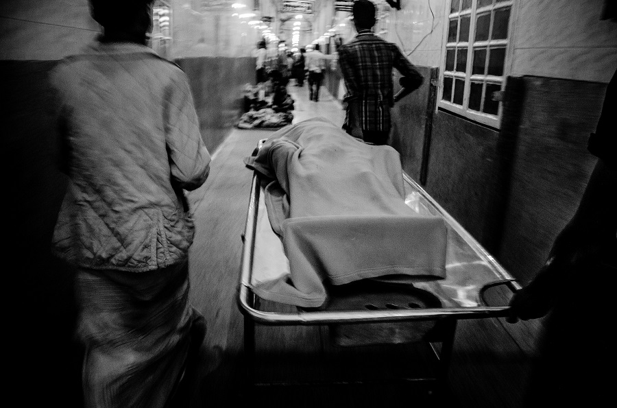 A petrol bomb victim's dead body was taken to Dhaka Medical Morgue.