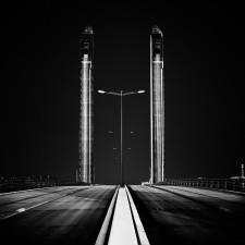 A bridge over the dark Arnaud Bertrande