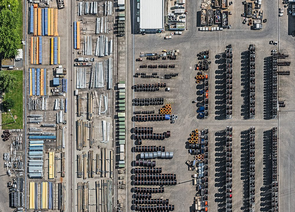 Bernhard Lang specializes in Aerial Photography.