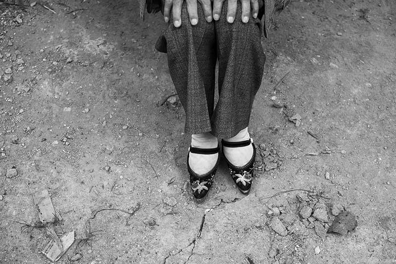 Binding foot by Mattia Passarini
