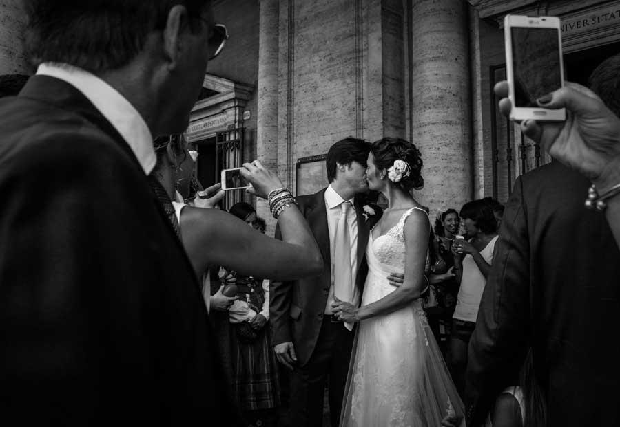 KissingForThecameras_ Lisa Shalom