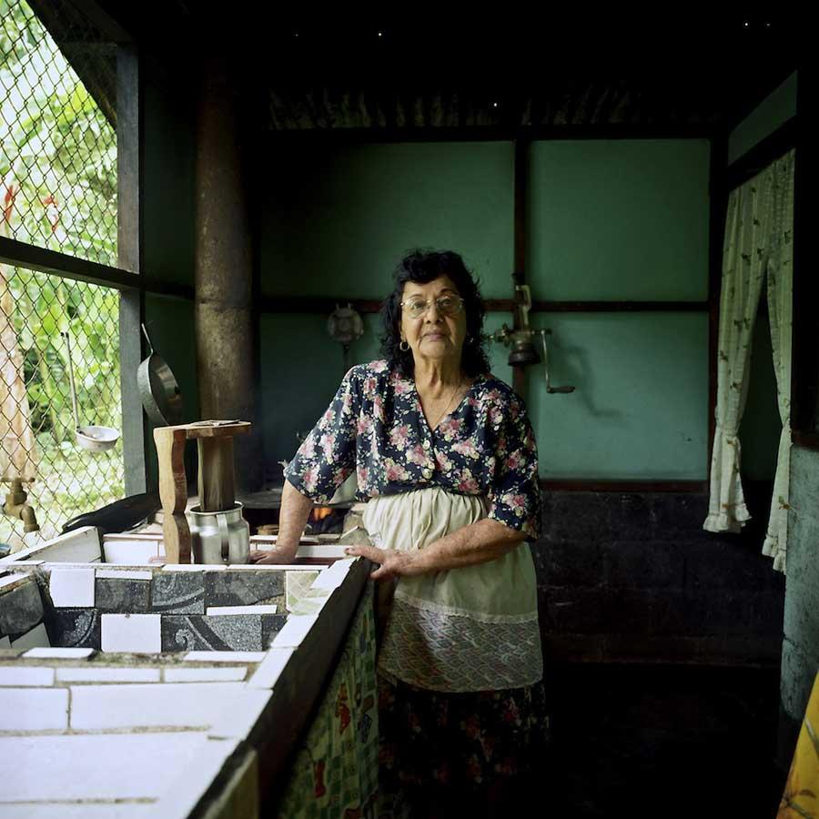 Documentary photography 07- Hai Zhang _Awaing the Rain
