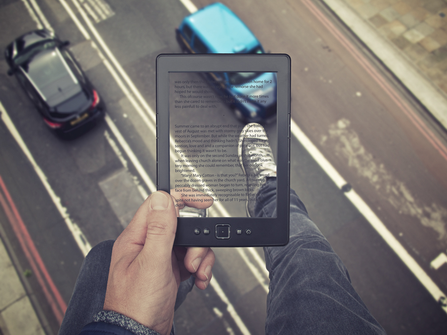 Absorbing read_JP James Popsys : Creative Photography