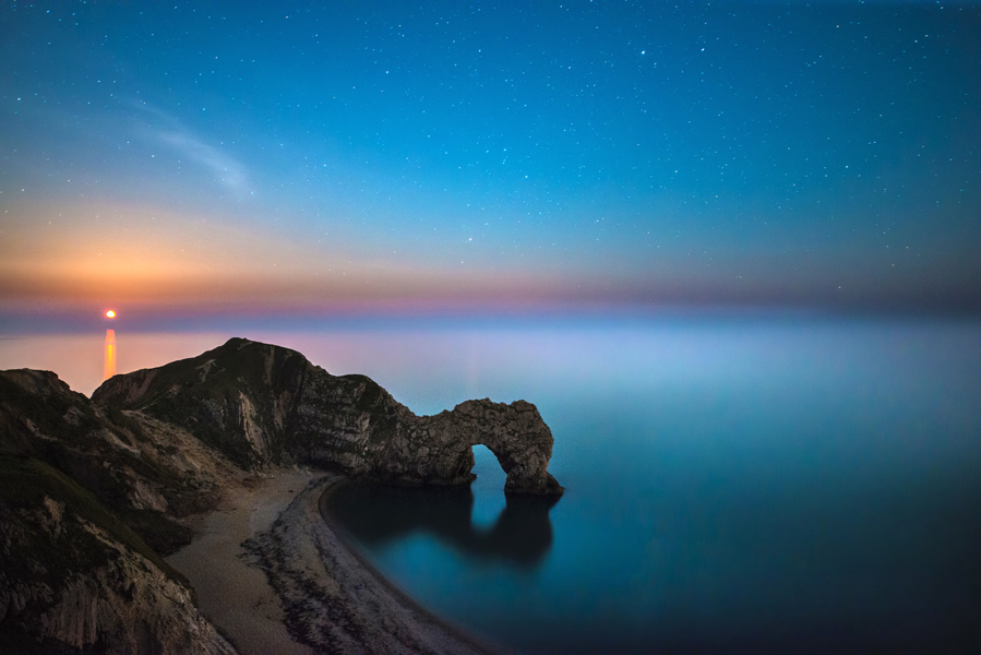 Durdle Door Moonrise- Ollie Taylor – Nightscape Photographer