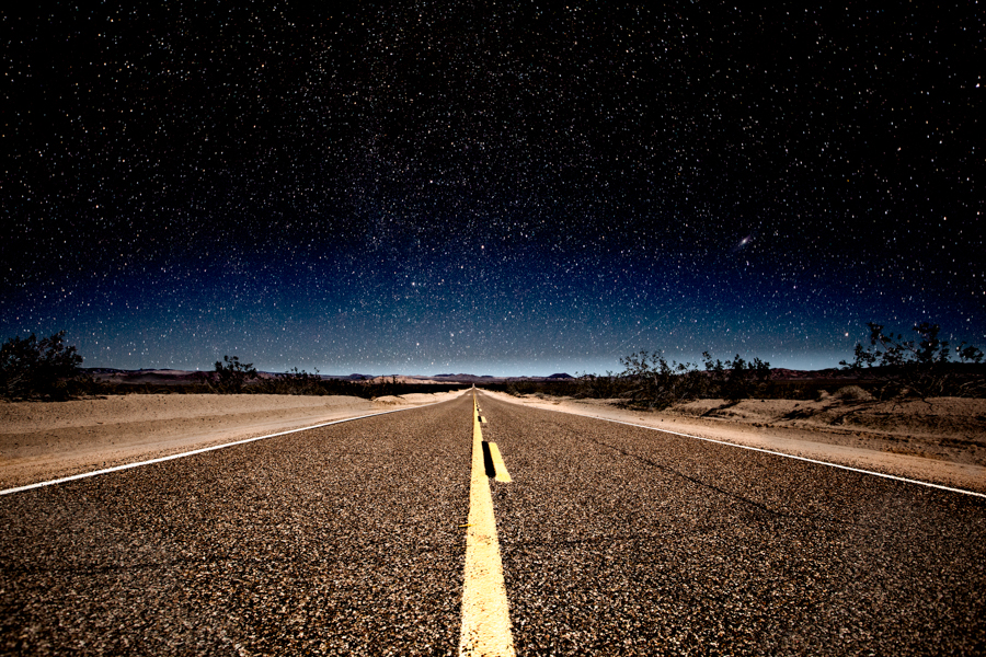 Night photography / Tom Lowe Road_of_Dreams