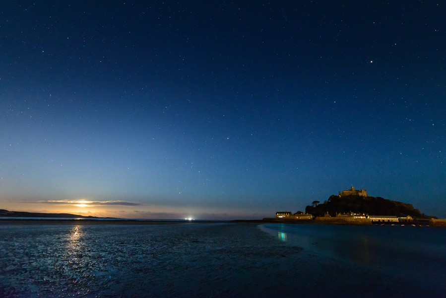 St Michael's Mount Moonlight- Ollie Taylor – Nightscape Photographer