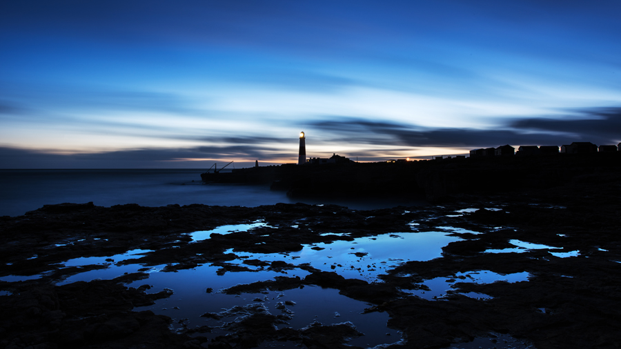 The lighthouse by Dusk- Ollie Taylor – Nightscape Photographer