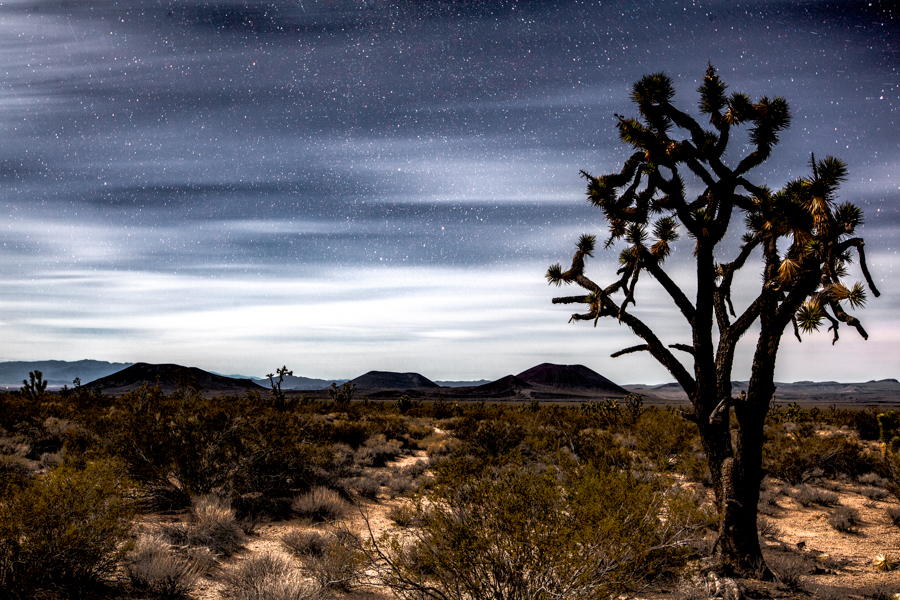 Night photography / Tom Lowe Three_Cones
