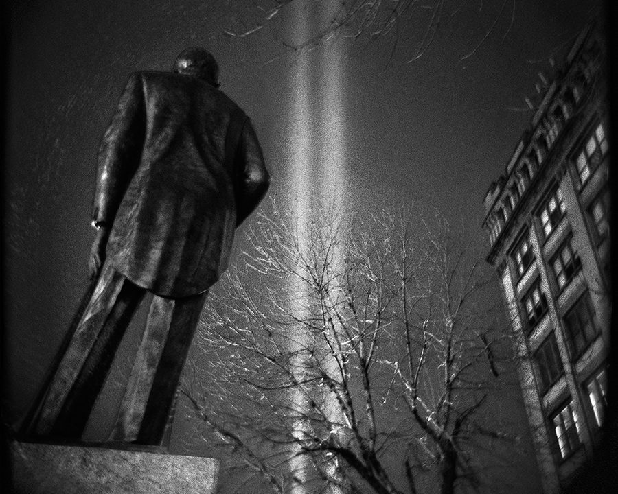 Thomas Alleman : The Gilded Giant – Photographs of New York City