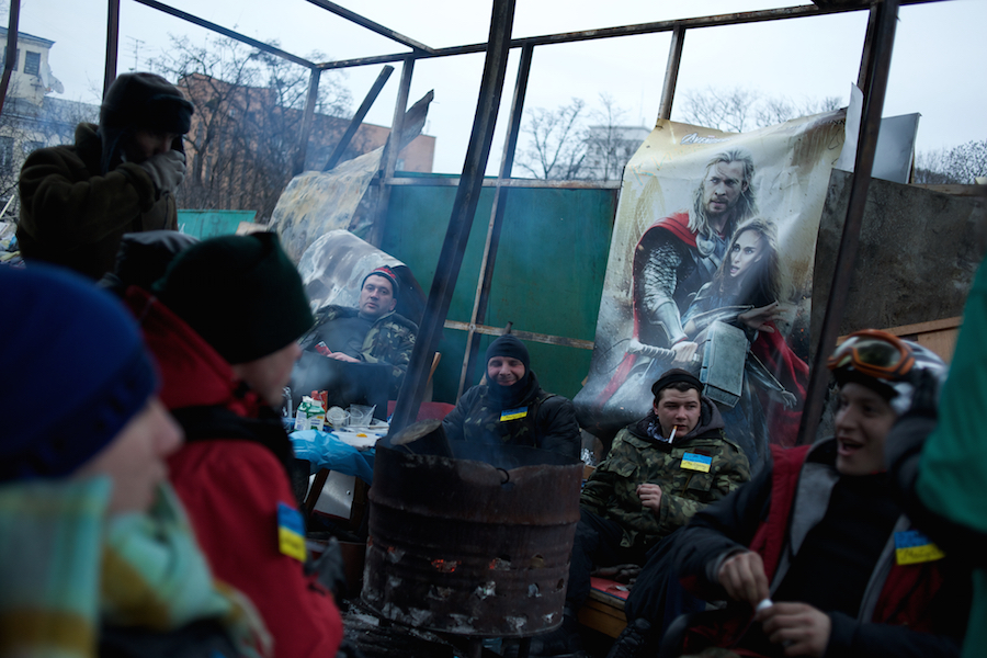 Thousands mourn the anti-government protestors killed in Maidan