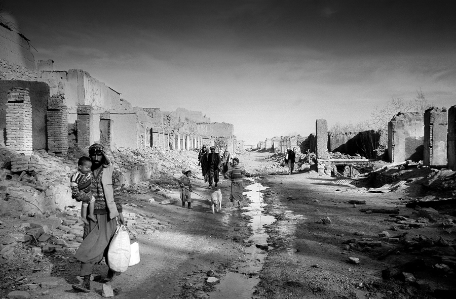 War Landscapes ; A photo project by Alfredo Macchi