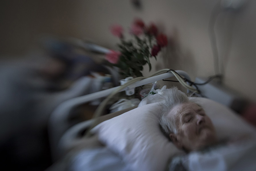 Patients of Donetsk hospice, which was subjected to artillery bombardment and war hardships at the time of active fighting, August 26th 2015, Donetsk, Eastern Ukraine Photographer: Dmitri Beliakov