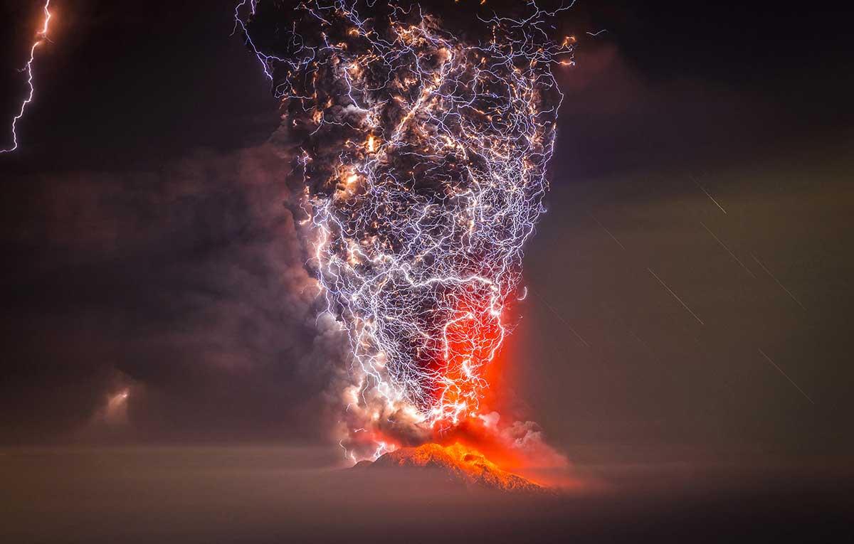 Erupcion Volcan Calbuco, Puerto Montt Chile.