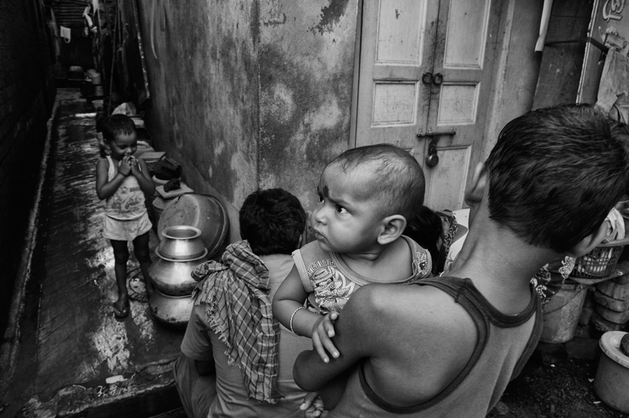 A little observer's day out in the lanes of Kumartuli.