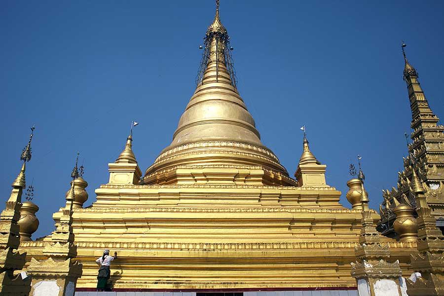 Inside Myanmar Monasteries_02