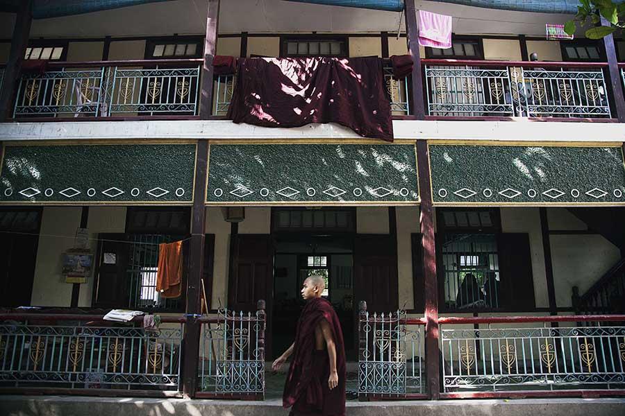 Inside Myanmar Monasteries_05