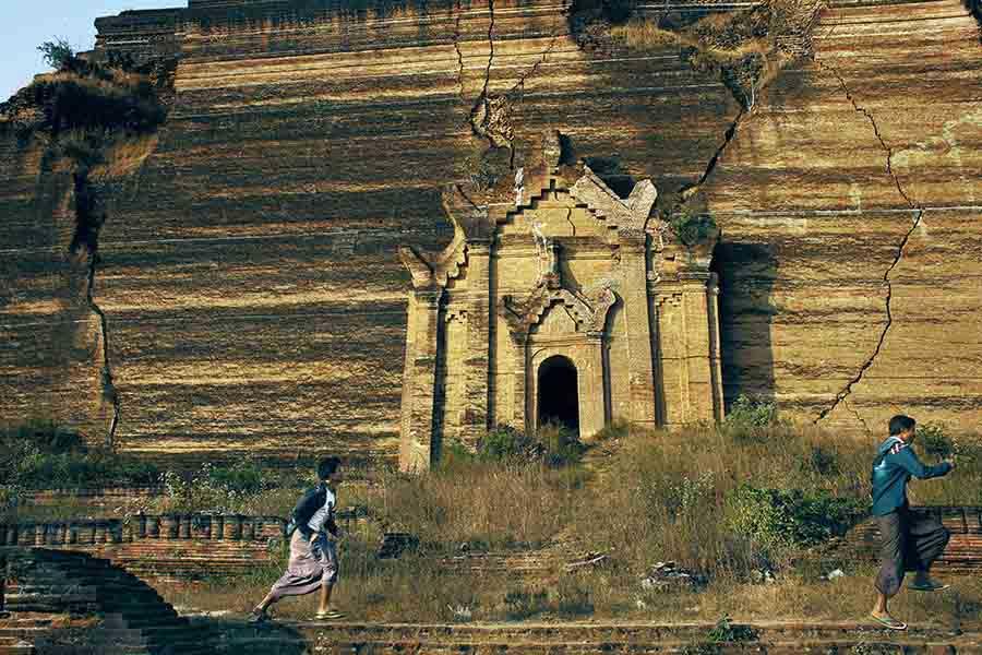 Inside Myanmar Monasteries_15