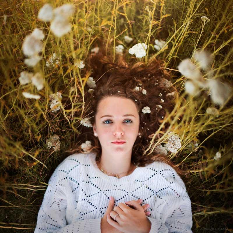 Jorge-Barreda-Flowers-Girl