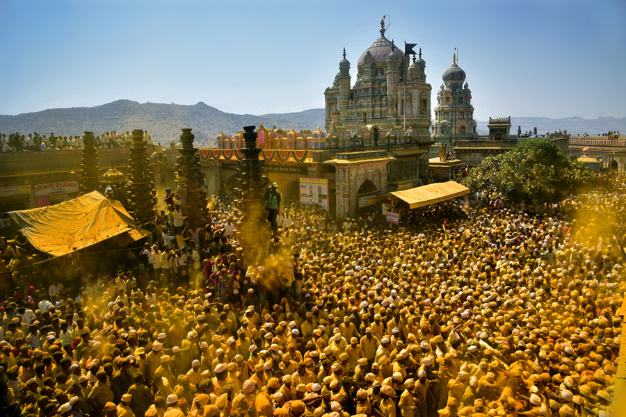 Bhandara -The Golden Festival of Jejuri by Arun Saha