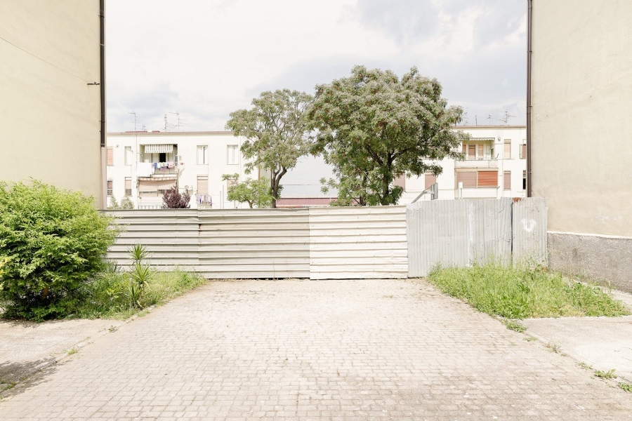 A neutral place / Franco Sortini