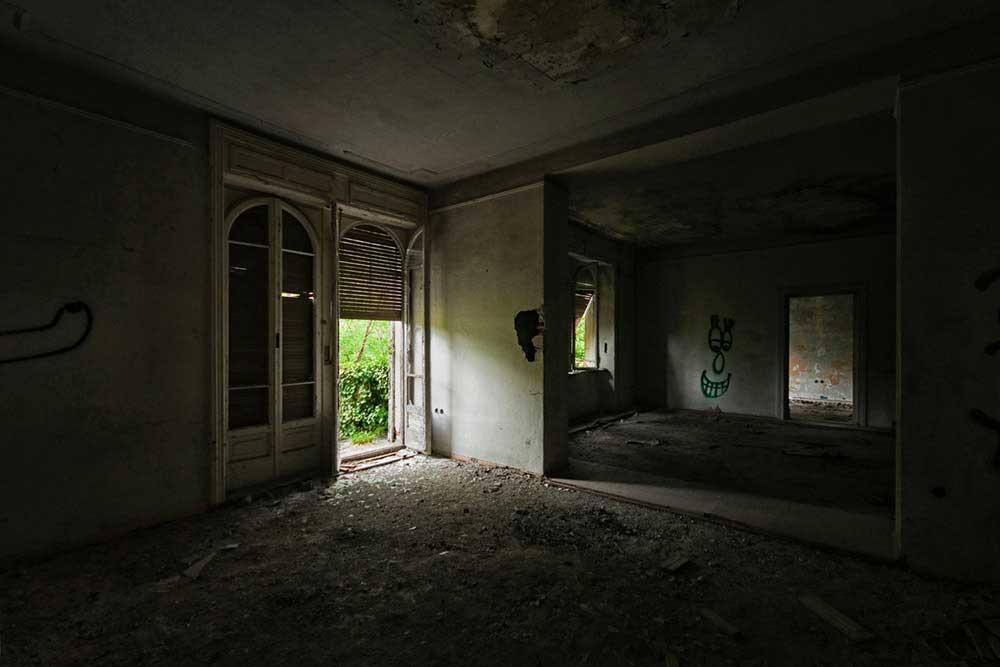 Lorenzo Linthout - 09 - Ex Villa, Mori (Trento)