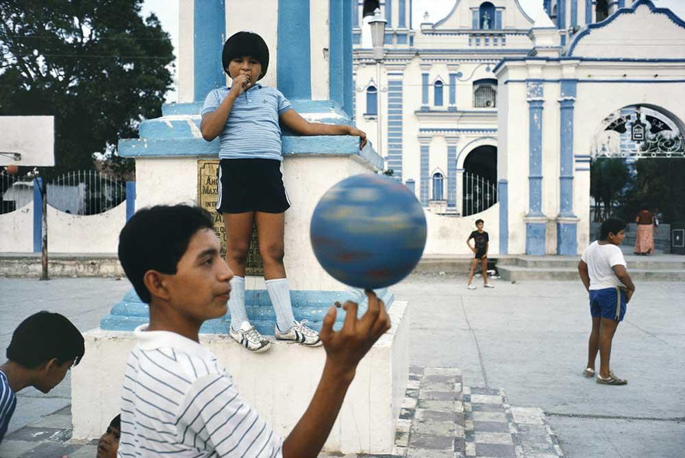 © Alex Webb / Tehuantepec, Mexico, 1985