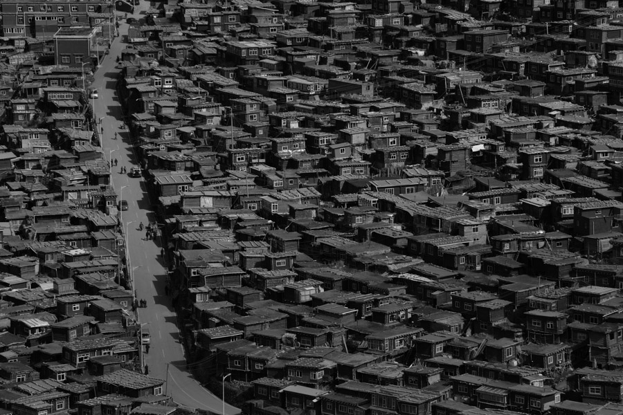Little_houses_of_T_BW_02
