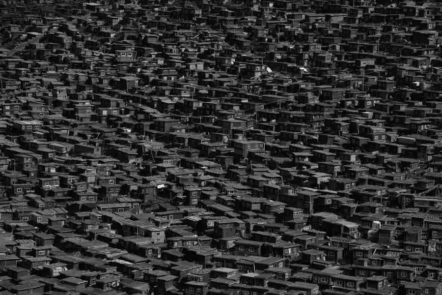 Little_houses_of_T_BW_03