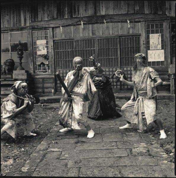Tsuburosashi / Tsuburosashi and Noroma Dolls / Hiroshi Watanabe