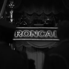 Behind the Curtain - Circus Roncalli