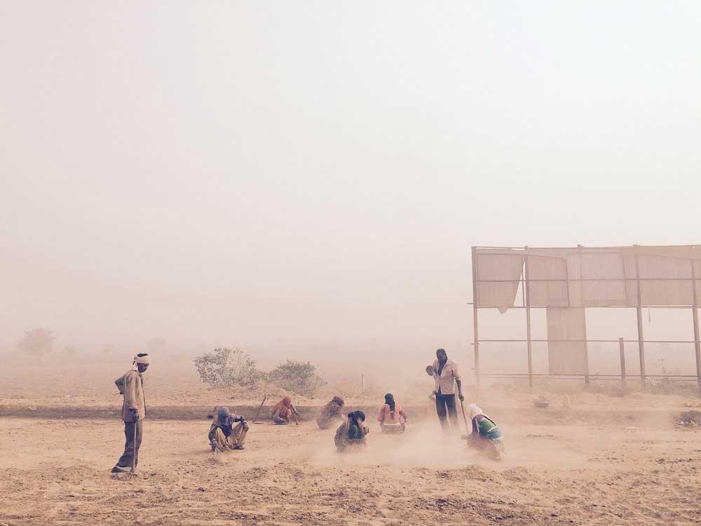 Necropolis - A City dying of Pollution   Zahir Abbas