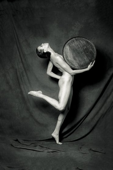 Discus   Terence Bogue   Nude Photography