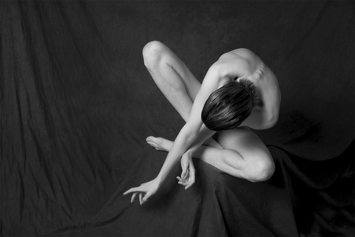 Discus | Terence Bogue | Nude Photography