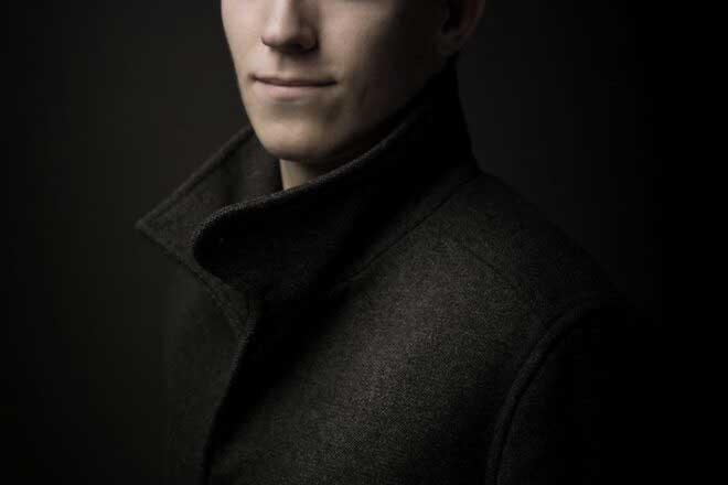 Mark Isarin ; Conceptual fine-art and portrait photographer