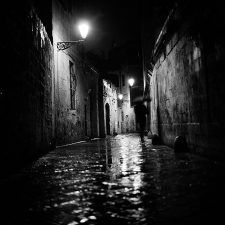 014-a-night,-under-the-rain,-in-a-dark-alley