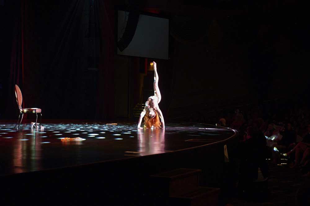 Burlesque-Performer-2-dodho